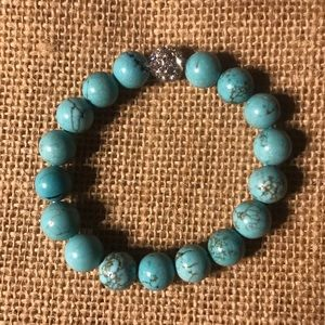 Turquoise colored bead crystal bracelet elastic
